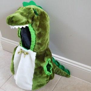 Infant alligator costume. Size 12-24months